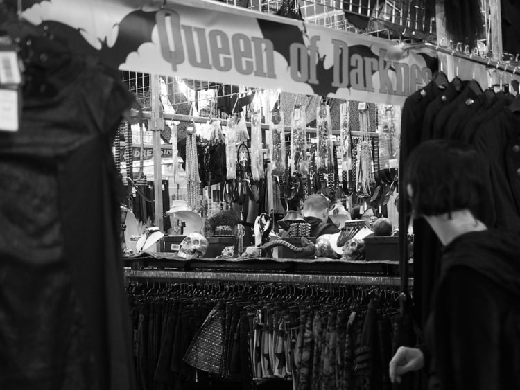 Queen of Darkness im GothicStore in Leipzig